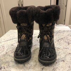 Coach faux fur brown winter boot. S7